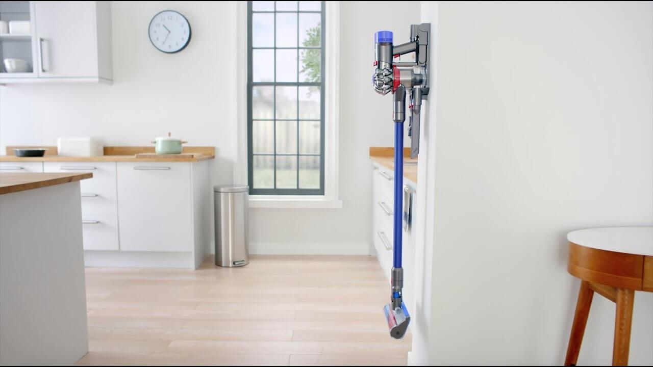 Dyson V7 Vs V8 Cordless Comparison What S The Difference